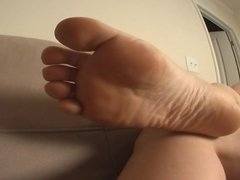 Rose wants you to fuck her foot