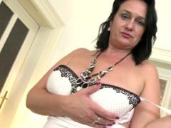 Awesome real mom from AMATEURWIVESXXX.COM with sexy body and thirsty vagina