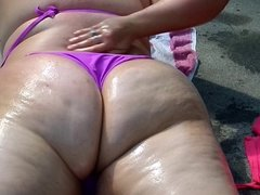 BBW Ursula Gets Oiled Up