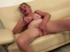 Old granny fucks mature mom and not her daughter