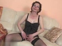 Slim mature mom with very - Fuck me on CHEAT-MEET.COM