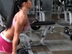 Sexy Fitness Girls flexing her sexy Muscles