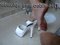 shoe job mules cumshot