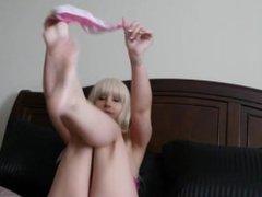 Sweet Teen Girl Her First Cam Show - CamHump.com