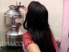 Baichain Bhabhi Aur Garam Devar