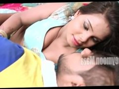 Desi Bhabhi Romance With Mechanic