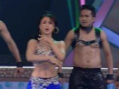 Elli Hot Navel Dance Bollywood India