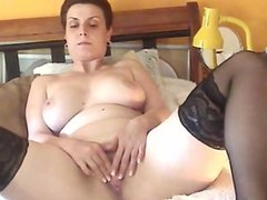 MILF Solo Hot freehotgirlscams[dot]com