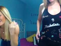 Chaturbate username of girl on right? S3lemary's video