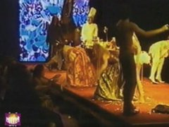 Beth de OT desnuda en obra de teatro Tirant lo Blanc