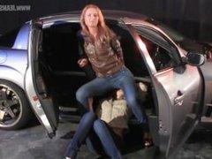 Jeans facesitting in car