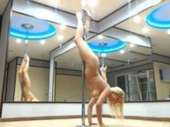 pole dance naked shwr