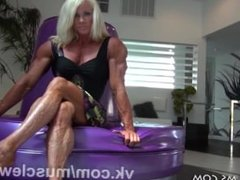 ripped female muscle