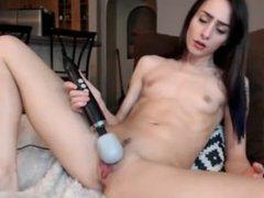Webcam brunette masturbate