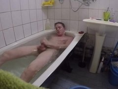 Str8 boy takes a bath and cums