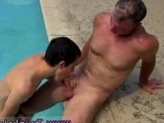 Deep throat fucking gay Daddy Brett obliges of course, after sharing some
