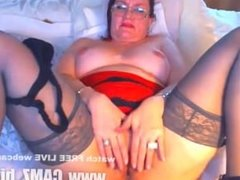 milf free  Skillful babe with juicy breasts warms her holes with hands