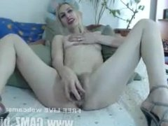 Gilf freecam Skinny Mary fingering her hairy vagina and rubbing it with a
