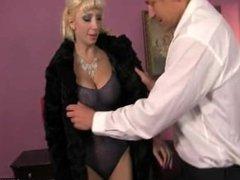 erry Pumpss Cock Into Mature And Sexy Natasha Juja