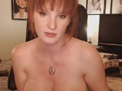 Big Tits MILF Shows Naked in Pussy Maturbation Show
