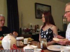 Young teen amateur masturbation orgasm Minnie Manga eats breakfast with