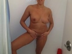 amateur with big tits and nice ass takes sexy shower