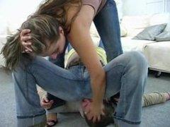2 on 1 jeanssitting