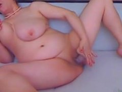 Busty wife does first-time Her Snapchat DivaJene