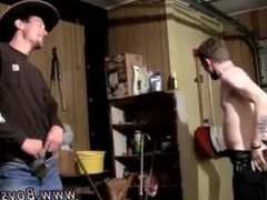 Biggest human dick in the world Cowboys Ty & Lee Pissing Up the Garage!