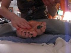 Tickling My Girlfriends Feet (Amateur) (3-9-12)