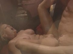 Blonde hottie in heat gets her pussy pounded