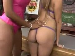 angel cummings eating a juicy pussy and ass