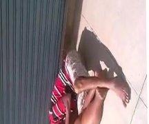 Chupando a Buceta da gorda no meio da rua