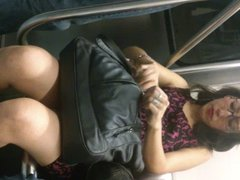 Chica guapa lindas piernas Metro L2 MX Parte 2