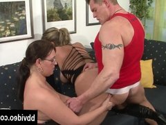 Bisexual german milfs fuck in threesome