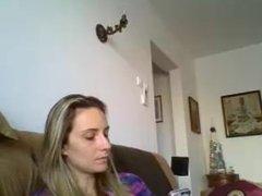 Maria Raluca de la Bucuresti Traducatoare de Romana Spaniola se masturbeaza