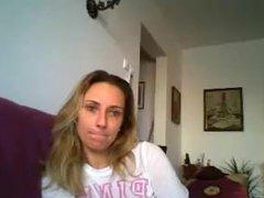 Maria Raluca din Bucuresti se masturbeaza