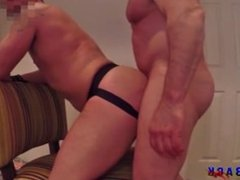 AMATEUR SEX MUSCLE BAREBACK