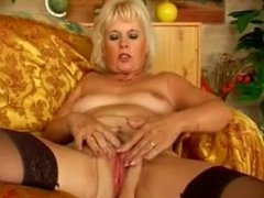 Amateur Milf Cougar Heel Insertion 4 - LoversHeels@Pornub