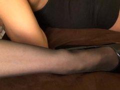 Nina Hartley's cunt lick lesson w DapperDan