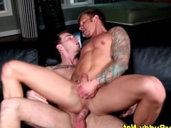 Jock cums on his own face
