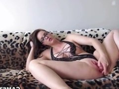 Big ass and tits brunette loves new DP toy