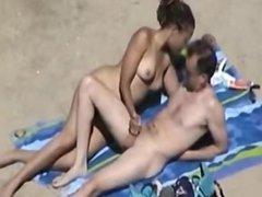 1fuckdatecom Couple on beach