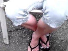 candid mature feet peep