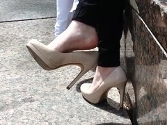 Shoe dangle goddess - CANDID high heels - YUM!