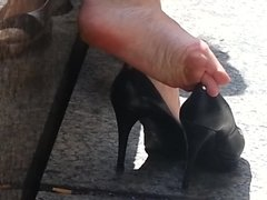 Candid high heel shoe play with sexy wrinked soles!