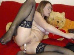 6cam.biz teen averyblonde flashing pussy on live webcam