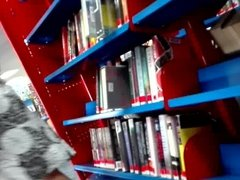 Milf upskirt at the library with faceshot! :)