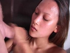 Amateur Asian chick gives a blowjob