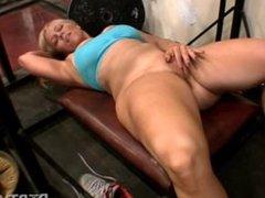 Gym Hottie Masturbating